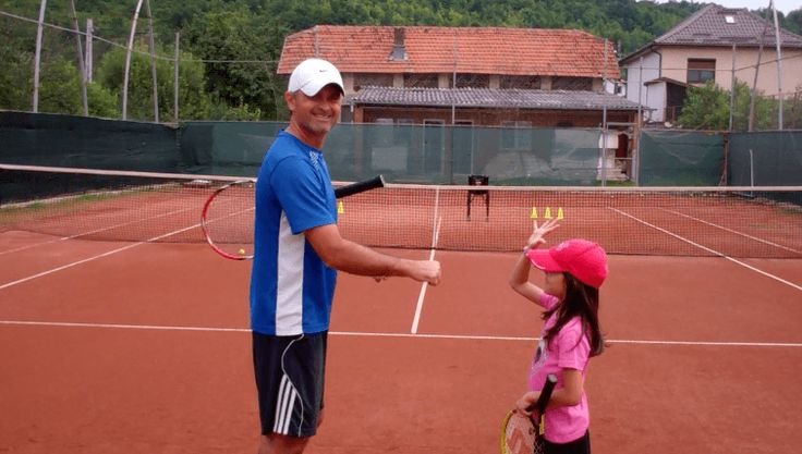 How to Teach Tennis to Kids (live tennis lessons)