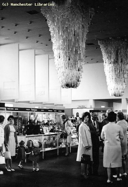 Airport Lounge, Manchester Ringway Airport, 1970. I REMEMBER THOSE CHANDELIERS! not the same without them ha