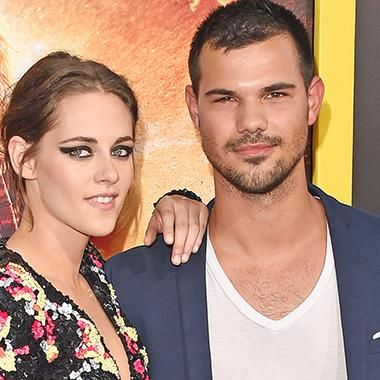 Viral: Kristen Stewart & Taylor Lautner stage Twilight reunion at the American Ultra premiere
