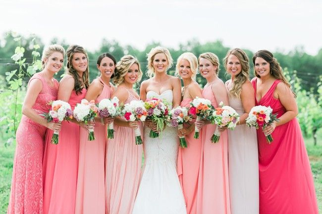 Pink and gold wedding - http://fabyoubliss.com/2015/07/10/pink-and-gold-country-elegant-wedding