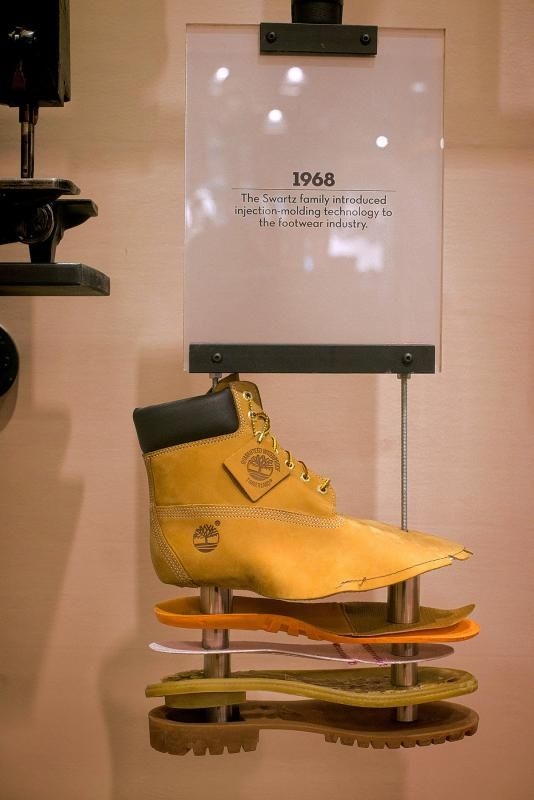 shoes display system - Google 검색                                                                                                                                                                                 More