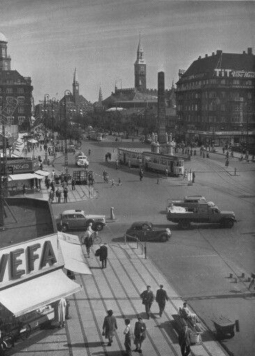 Frihedsstøtten og Vesterbrogade ca 1954