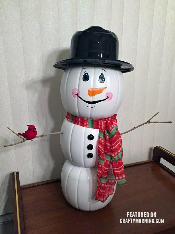 Pumpkin buckets turned into a snowman 424