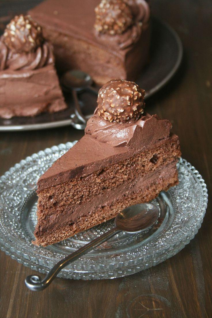 Vous n'avez pas forcément envie d'une bûche à Noël et envie d'un gâteau tout chocolat alors je pense que cette recette est pour...