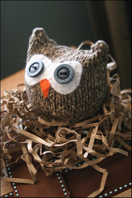 Adorable, would make a good companion to my other owl knitting projects.