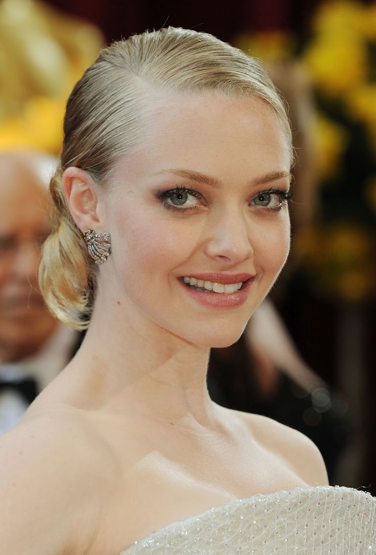 Amanda Seyfried - 82nd Annual Academy Awards - OSCARS 2010