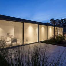 http://architizer.com/projects/house-in-palihue/media/1676402/