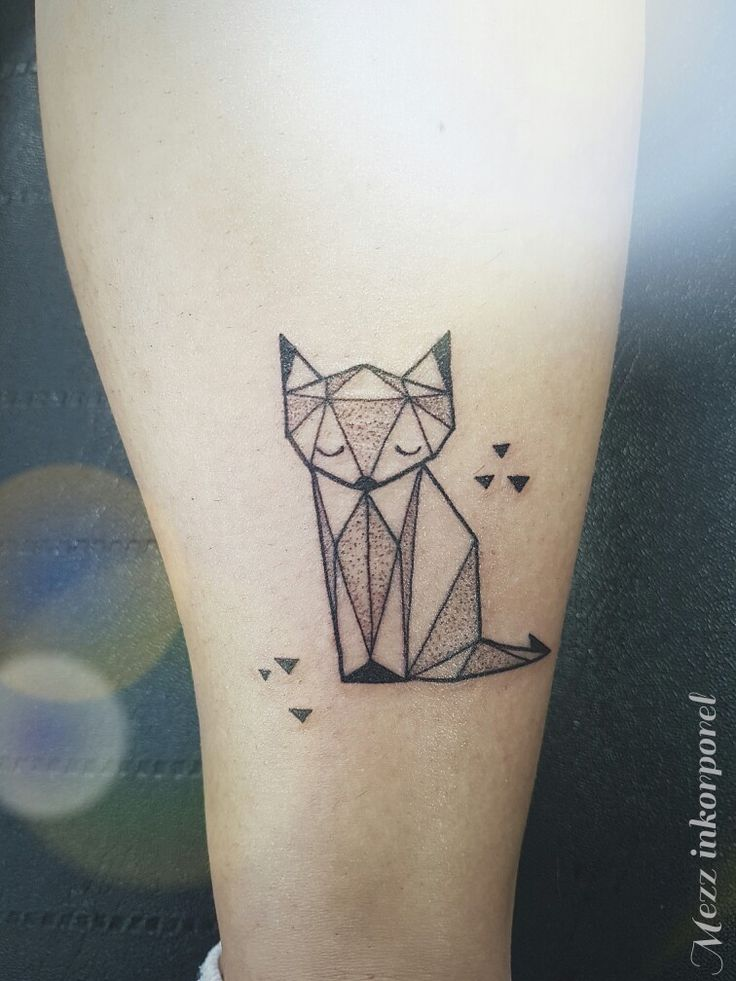 #inkorporel #miramas #mezz #tattoo #symetrique #origami #cat #chat