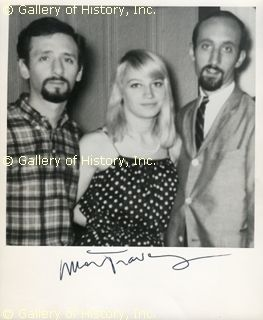 mary travers images   PETER, PAUL & MARY (MARY TRAVERS) - PHOTOGRAPH SIGNED - DOCUMENT ...