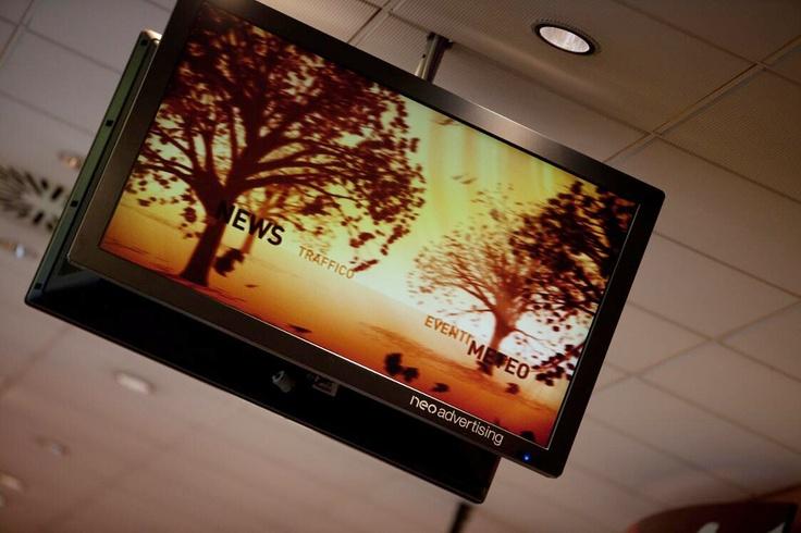 """Info Flash Circuito DOOH Autostrade  Le aree di servizio possono essere usate anche come """"luoghi di comunicazioni"""" : 38 schermi LCD di grande formato posizionati in 17 locali autogrill  http://www.ammandmore.com/"""
