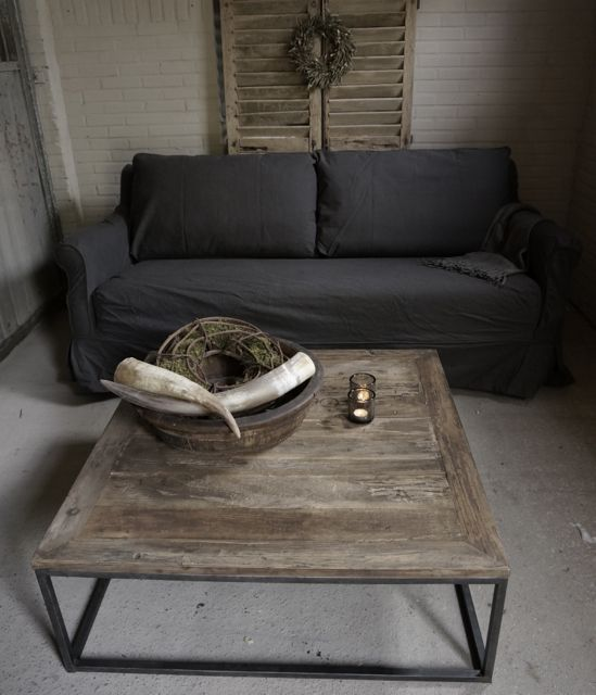 vierkante Salontafel gemaakt van oud hout - HerbersLifestyle