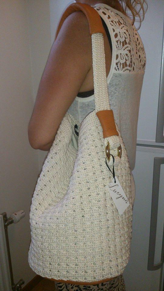 Fin väska gjord av ekologisk bomull och läder