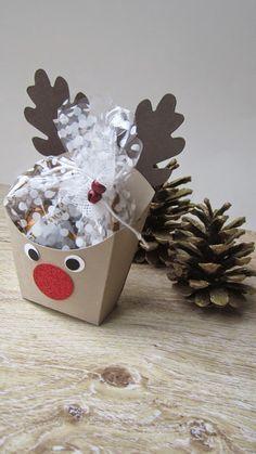 Die Pommesbox kann man mit Hilfe einiger Stanzen ruckzuck verwandeln, so wie hier in diesen zuckersüssen Rudolf :)...          Einige dieser...