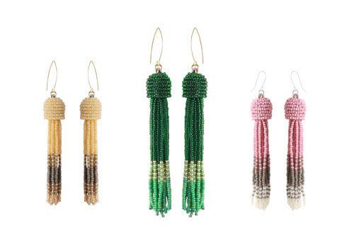 Lav selv disse seedsbeads øreringe, inspireret af Oscar de la rentas fantastiske tassel earrings. Dette blogindlæg viser dig hvordan du syr perler sammen så de danner en skål. Vejledningen er meget de