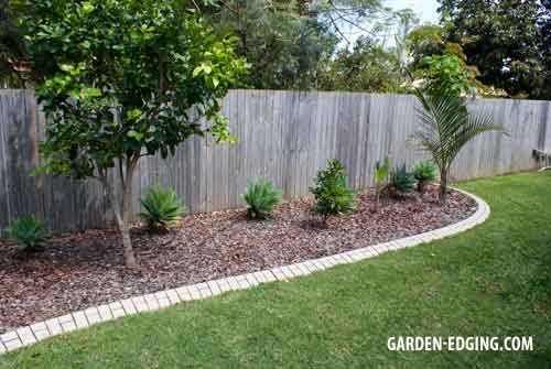 25 best ideas about concrete garden edging on pinterest Better homes and gardens flower bed designs