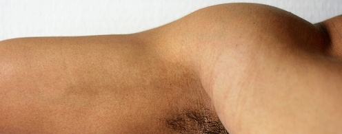 Sobre ejercicios de rehabilitación en el hombro: http://davidaso.fisioterapiasinred.com/2012/05/sobre-ejercicios-de-rehabilitacion-en-hombro.html