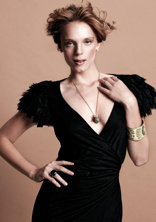 Lookbook | Nocturno de Otoño    Vestido: Diane Von Furstenberg  Collar: Louis Vuitton  Pulsera: Hermes  Anillo: Vintage