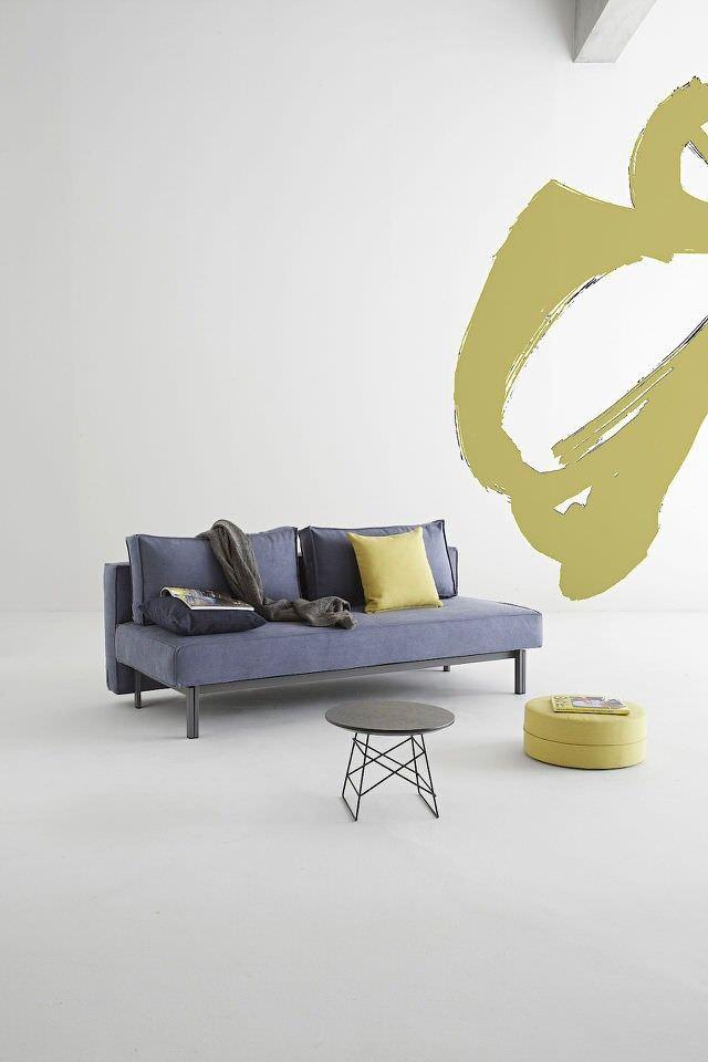 De slaapbank van Innovation gaat alle verwachtingen te boven. De slaapbank is ruimte besparend en gebruiksvriendelijk. Het stevige onderstel van de design slaapbank is gemaakt van mat zwart gepoederd staal. Je kan de design bank gemakkelijk veranderen in een comfortabel bed voor 2 personen. Specificaties Afmeting bed: 140 x 200 cm. Comfort: pocketvering matras Bekleding: 100% polyester Kleuren: donkergrijs, mosterd geel, naturel, twist graniet grijs, uniek slate indigo blauw en zwart