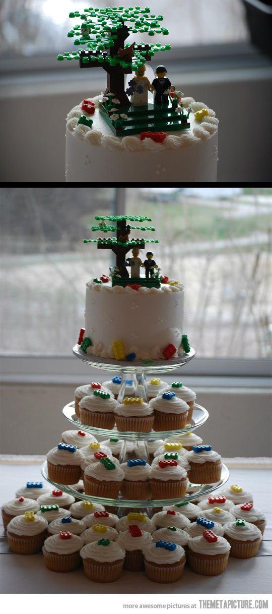 LEGO wedding cake…cute! Diana Miller, do you like this?! :)                                                                                                                                                                                 More