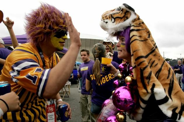 LSU, Top 25 College Football Tailgating Schools for 2014 from Bleacher's Report ~ Check this out too ~ RollTideWarEagle.com sports stories that inform and entertain and Train Deck to learn the rules of the game you love. #Collegefootball Let us know what you think. #LSU #GeauxTigers