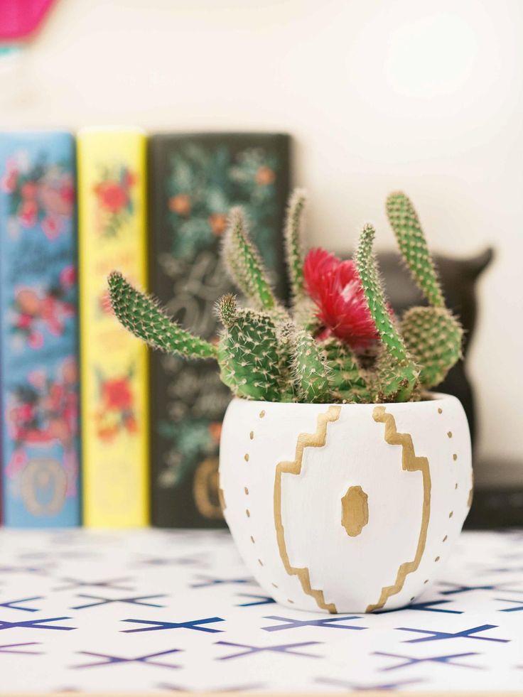 17 best ideas about dorm room pictures on pinterest. Black Bedroom Furniture Sets. Home Design Ideas