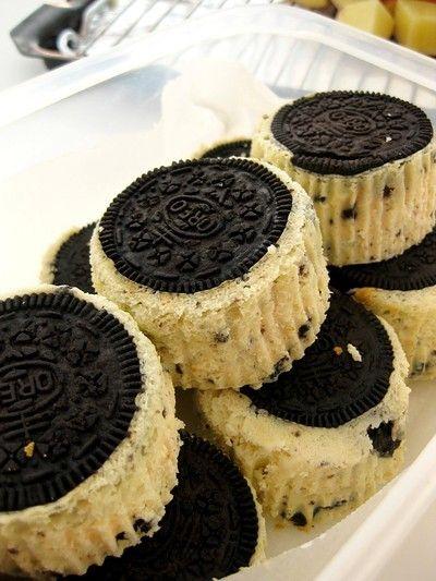 ... Mini Oreo Cheesecakes, Oreo Cake Ideas, Mini Cheesecakes