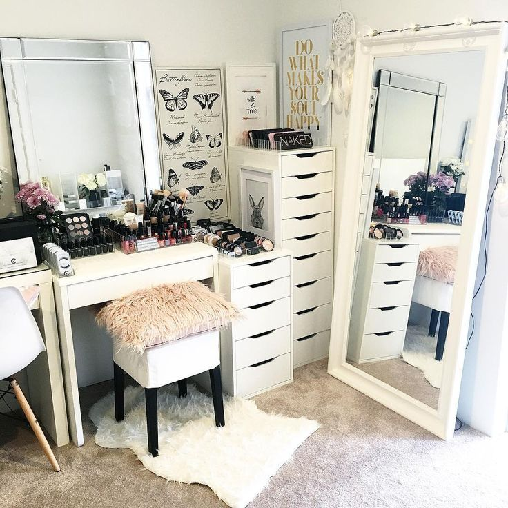 I've stolen yet another piece of furniture from our bedroom and moved it into my beauty room . . This white, full length mirror from IKEA is just the perfect match to all my other beauty furniture and it just had to be done . I'm sure my hubby won't even notice anyway . Link to our online store for all makeup storage on our Insta page or visit www.vanitycollections.com.au . . #makeupstorage #makeupholder #makeuptable #makeupjunkie #makeupmirror #beauty #beautyroom #beautystore #...