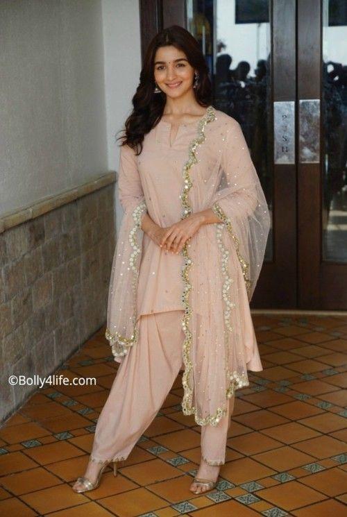 Alia Bhatt At Raazi Promotions  Alia Kept It Rather -4613