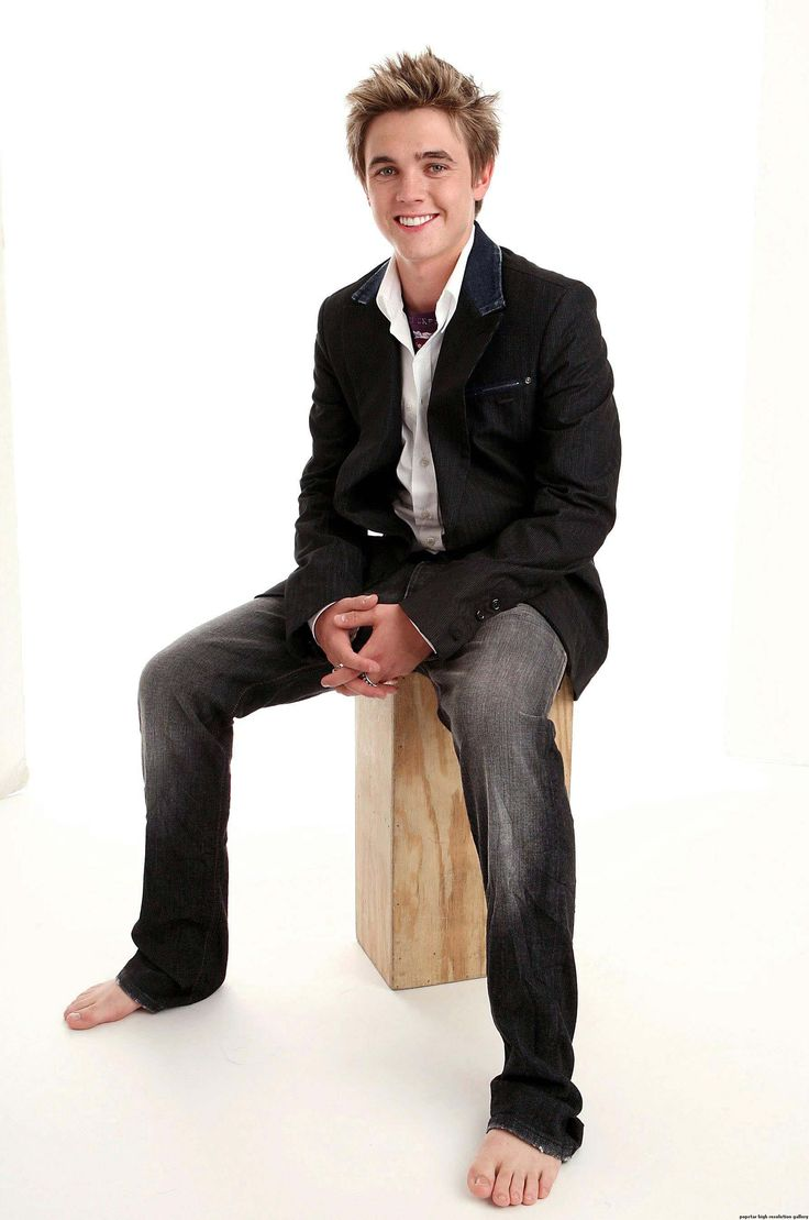 post-27165-1274988528.jpg (1788×2696). Tags: amazing, bare, barefoot, blazer, blonde, boy, elegance, feet, guy, ivy league, jacket,  jeans, Jesse McCartney, look men, male, preppy, sexy, suit, t-shirt, white shirt, босиком, блейзер, Джесси МакКартни, джинсы, костюм, пиджак, преппи