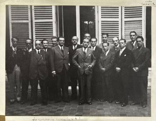 Libération de Paris - septembre 1944 - Membres du Conseil National de la Résistance (CNR) autour de son président Georges Bidault. | Paris Musées