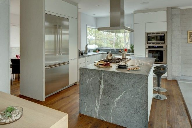Client: Modiani Kitchens and Interiors - Country: USA - City: Edgewater, New Jersey #CesarKitchen #design #interiors #kitchen