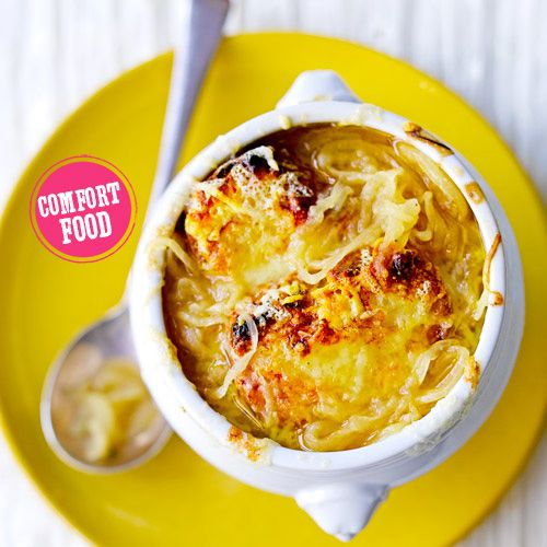 Oktober = Comfort Food Maand: iedere dag een comfort recept om je lekker te maken voorJamie Olivers nieuwe boek. Kook ze allemaal!   1 Smelt de boter in een grote pan. Doe de uiringen, tijm en laurier erbij, plus wat zout. Verhit 40 minuten...