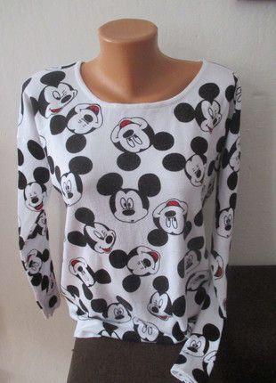 Kupuj mé předměty na #vinted http://www.vinted.cz/damske-obleceni/s-dlouhymi-rukavy/11498615-bily-svetr-mickey-mouse-cropp