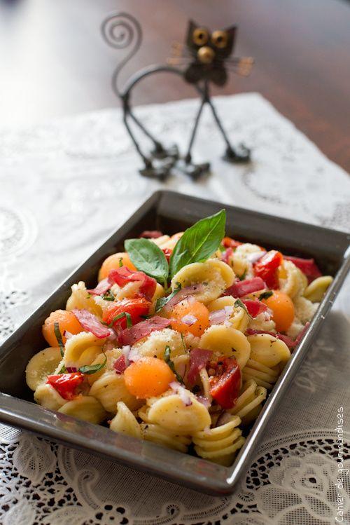 Salade de pâtes melon, parmesan et bresaola |  Pasta salad with melon, parmesan cheese and bresaola | Cahier de gourmandises