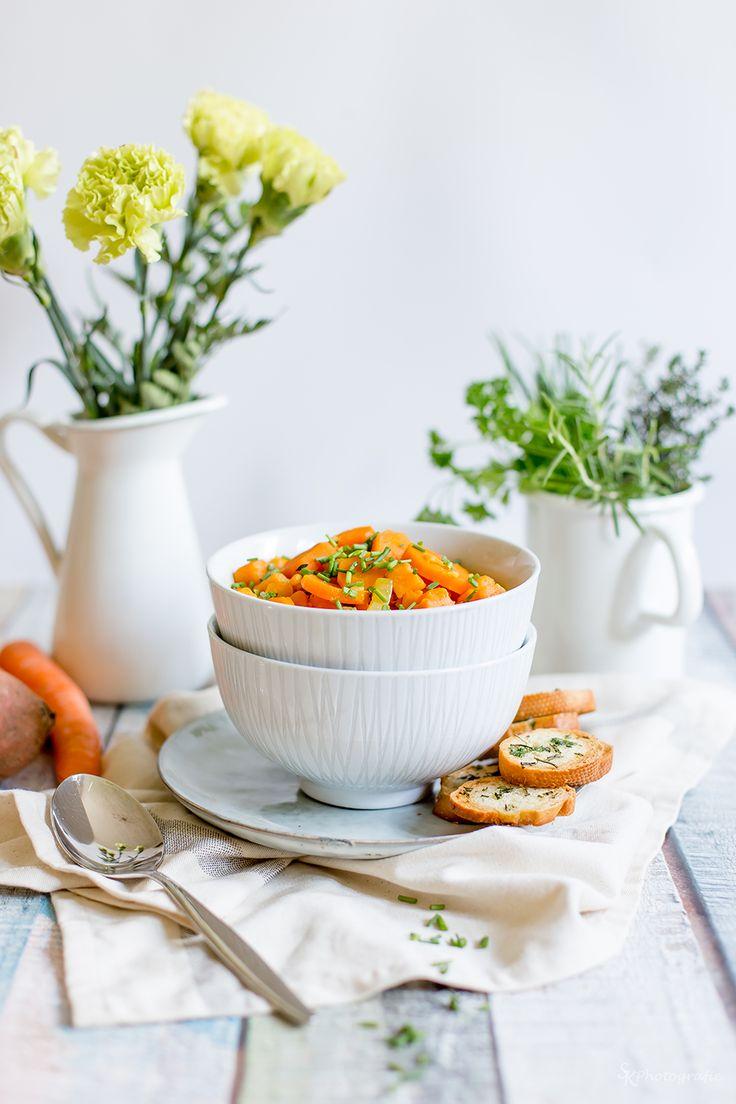 Alles und Anderes: Möhren-Süßkartoffel-Eintopf mit selbstgemachten Kräuter-Brotchips