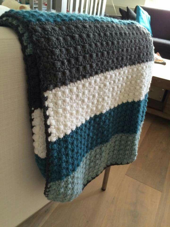golfsteek of deken steekIk heb zelf een babydeken gehaakt via dit patroon. Makkelijk om te haken in strepen en het wordt echt mooi. Net wat mooier dan alleen maar stokjes haken.     https://karinaandehaak.blogspot.nl/2014/11/dikke-gehaakte-retro-deken-met-patroon.html?m=1
