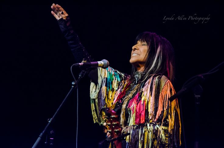 Buffy Sainte-Marie performing at the Tidemark Theatre, Campbell River, BC, Canada.  Photo taken April 2015. #photographybylynda #photography #photographylife #photographylove #CampbellRiver #TidemarkTheatre #Buffy