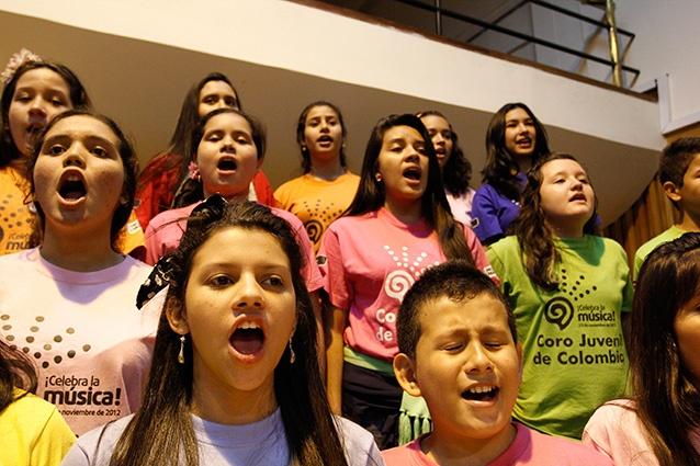 [Música ] .@CelebralaMusica El coro en ensayo por .@EDWARDLORAM