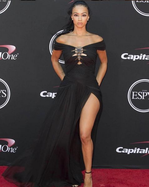 Absolutely stunning! 😍 #DrayaMichele wearing our Fall / Winter 2016 gown to the ESPY Awards. #Tadashi #Fashion #RedCarpet