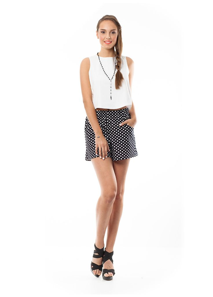 Black and white polka dots shorts and crop top in white. Find it at www.disu.gr