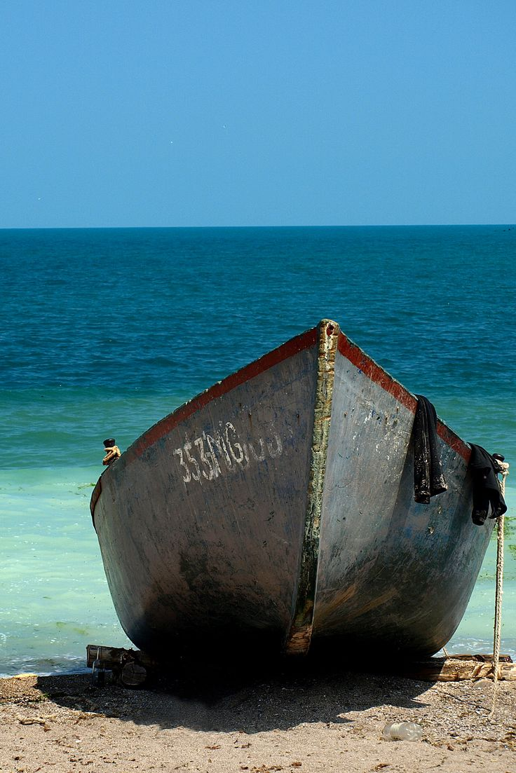Boat on the beach Vama Veche. #travel #blacksea #haisitu www.haisitu.ro