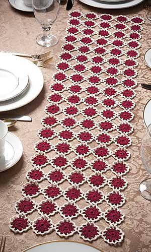 Ravelry: Garnet Roses Table Runner pattern by Joyce Geisler