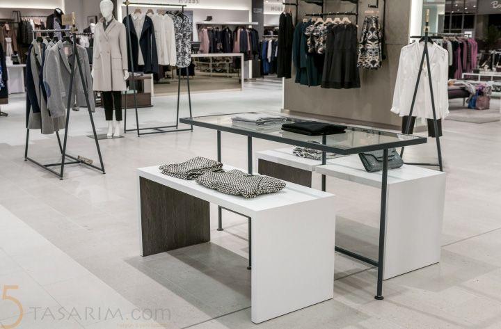 mağaza dekorasyonu metal masalar