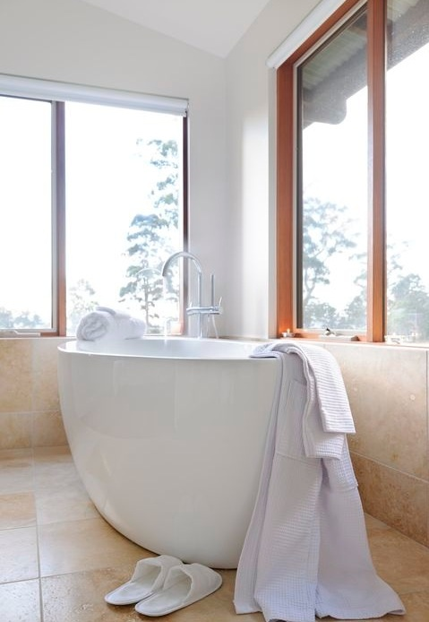 en suite - free standing bath