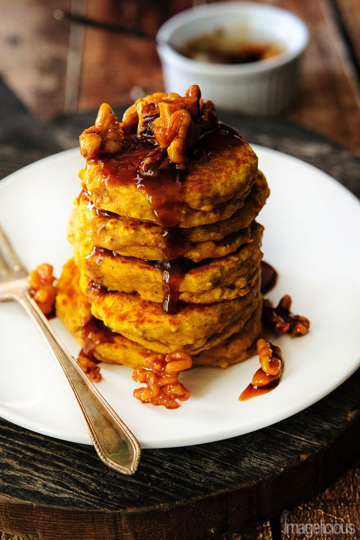 Pumpkin Ricotta Pancakes - healthy, delicious pancakes perfect for a cold autumn weekend morning