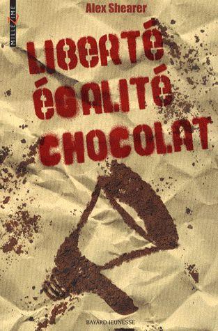 LE CHOCOLAT EST INTERDIT Tel est l'incroyable mesure prise par Le Parti Qui Vous Veut du Bien qui impose aux citoyens sa conception d'une alimentation saine et équilibrée. Les détenteurs de sucreries, traqués par la Patrouille Anti Chocolat, sont expédiés en centre de rééducation. Avec la complicité d'une commerçante et d'un libraire, Arthur et Sébastien entrent en résistance et deviennent dealers de chocolat ! Combien de temps échapperont-ils à la redoutable P.A.C ?