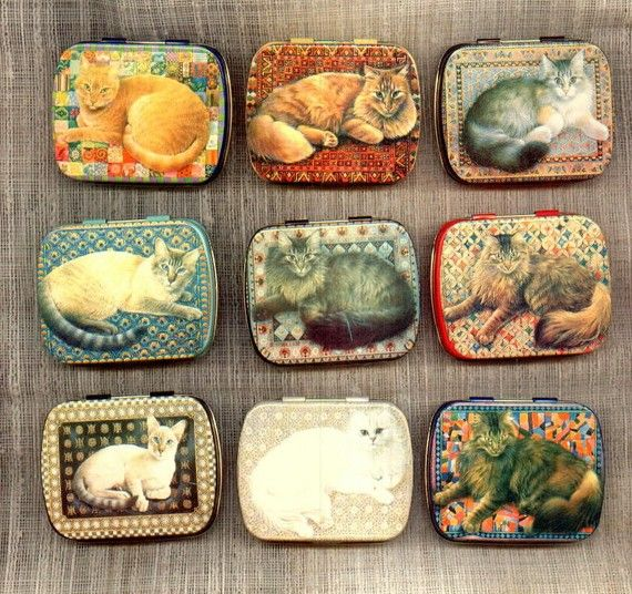 Cat Kitten Tin Box lot 9 vintage lithographed Hunky por Assemblages