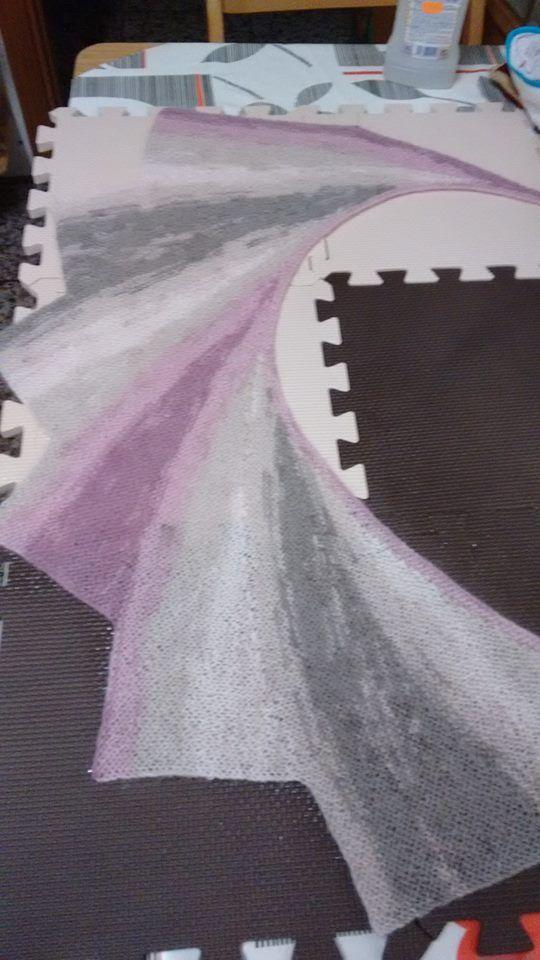 CHAL  DE TRIÁNGULOS           La Forma de tejer este chal es repetir los triángulos uno tras otro  de la misma forma a partir del se...