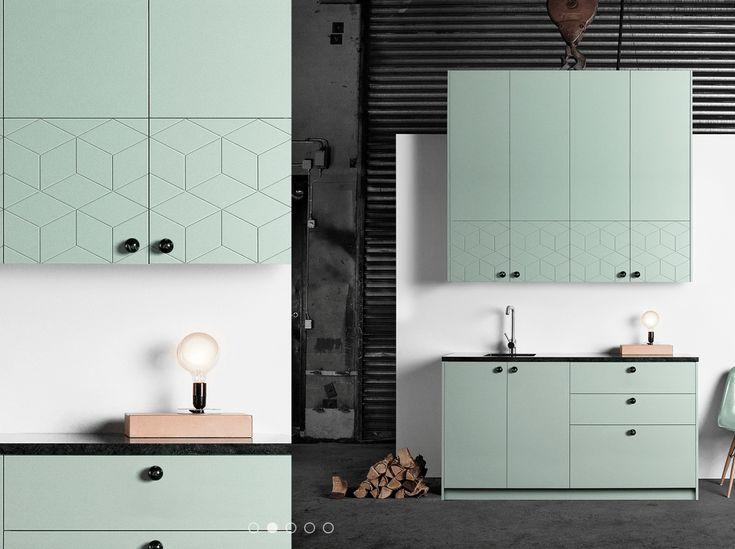 """Eine Küche in zartem Mint - von IKEA! Und Türen """"Illusion"""" von Superfront"""