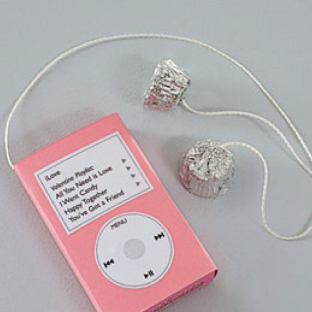 Valentine craft (sweet tarts box; ipod img printable glued on top (+ maybe licorice cords?)